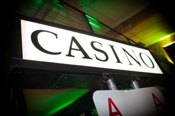 casino teemajuhlien somisteita