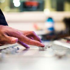 Vie yrityksesi henkilöstö päiväksi musiikkistudioon. Tuloksena voi syntyä vaikkapa yhteinen tiimi-biisi.